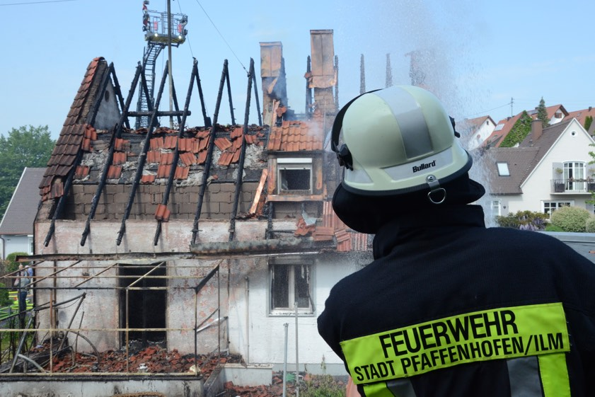 fatale unkraut vernichtung in pfaffenhofen 300 000 euro. Black Bedroom Furniture Sets. Home Design Ideas